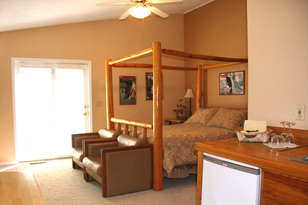 White Earth guest room - The LadySlipper Inn B&B
